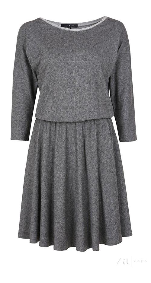 Úpletové šaty se skládanou sukní