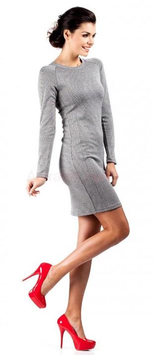 Pohodlné podzimní dámské šaty vhodné i do chladnějšího počasí