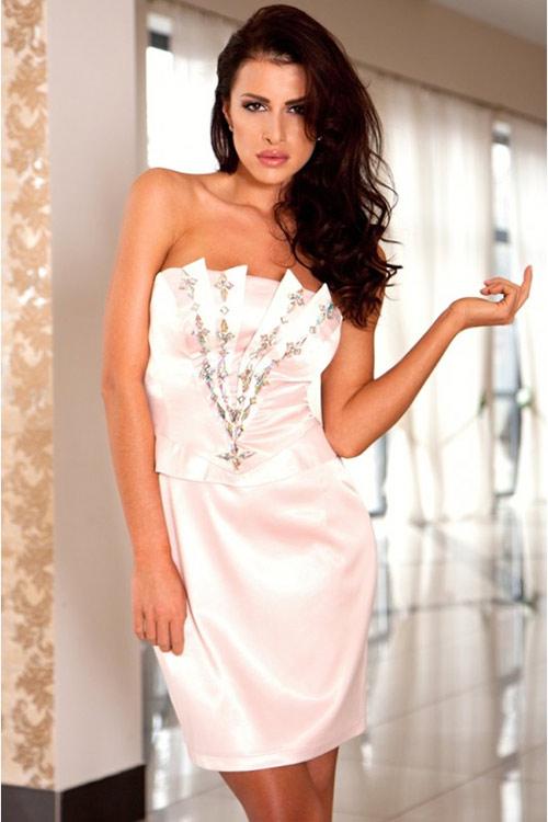 Krátké šaty na ples světle růžové barvy