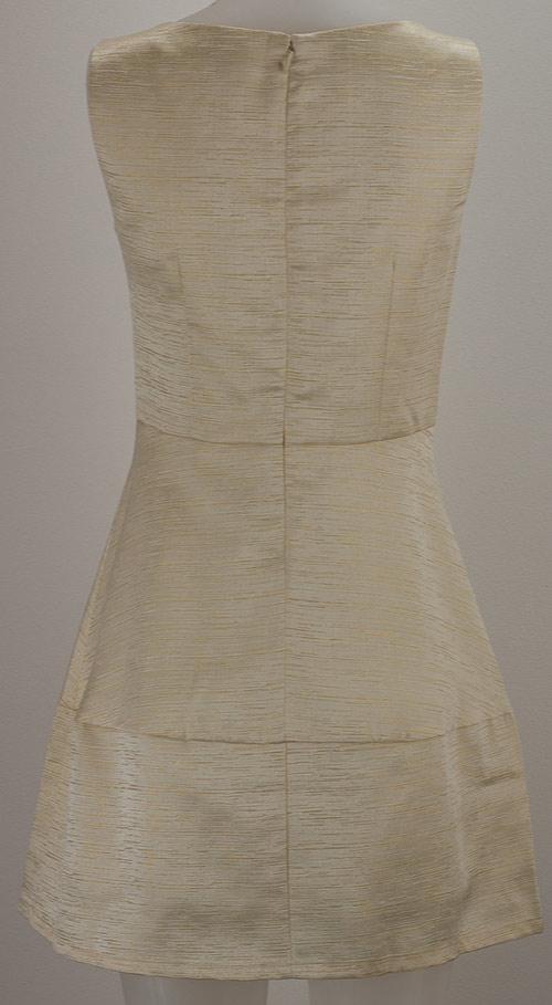 Elegantní smetanovozlaté šaty