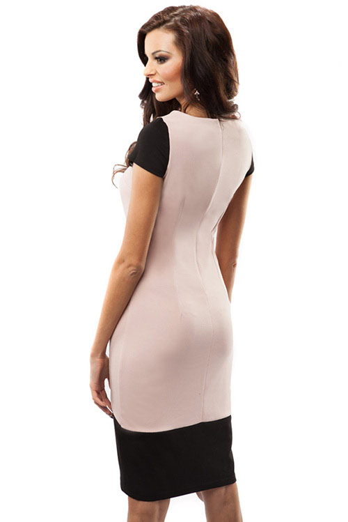 Lehce přiléhavé šaty