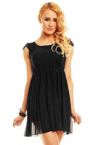 Černé šaty do společnosti