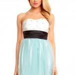 Krásné plesové šaty bez ramínek