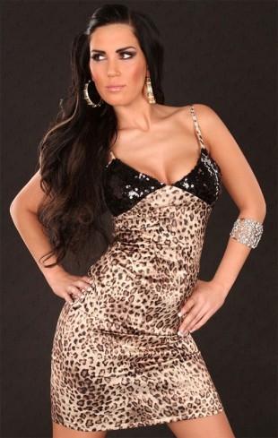 Krátké společenské šaty s leopardím vzorem