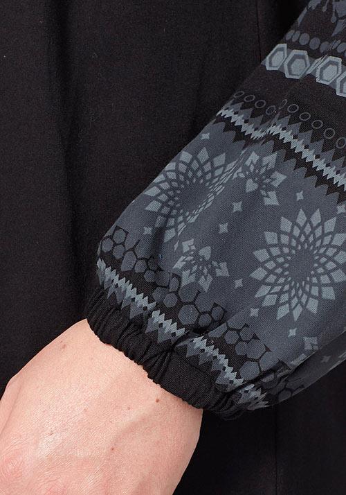 Černé volné dámské šaty sheego pro plnoštíhlé f6a2d0cd05