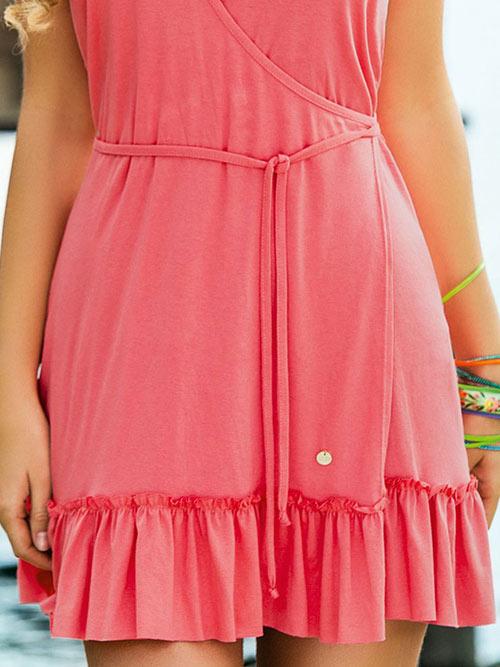 Šaty s volánem na spodním okraji sukně
