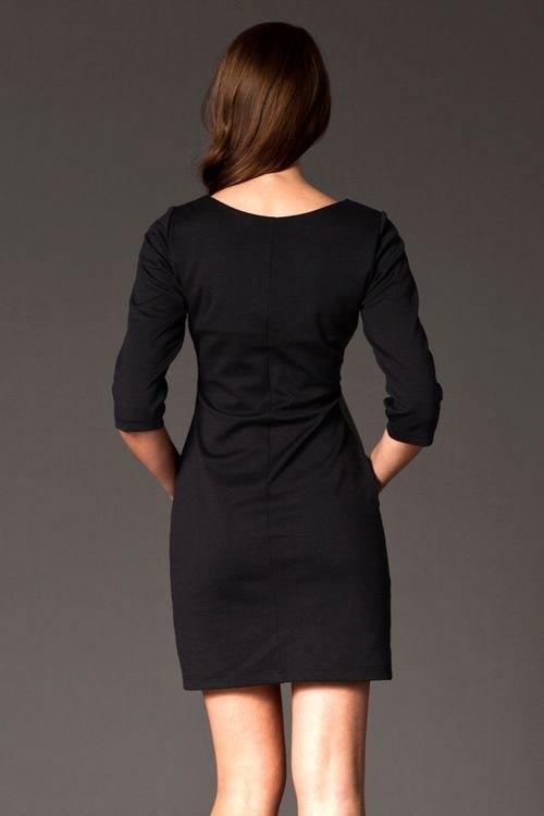 Černé dámské šaty na večírek
