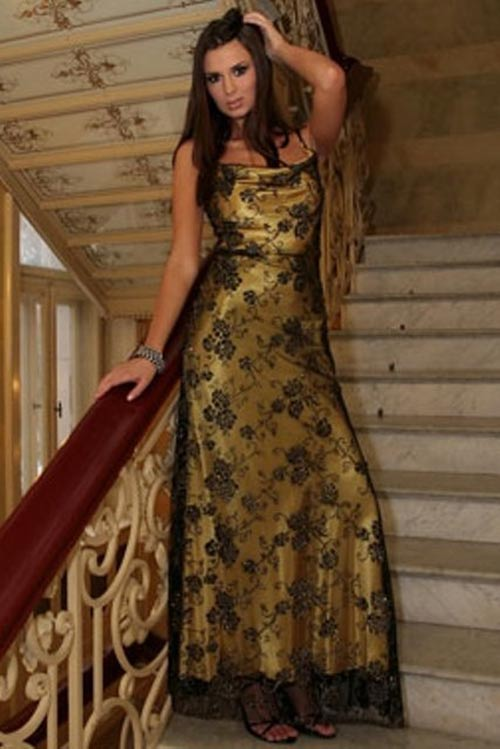Princeznovské zlaté šaty