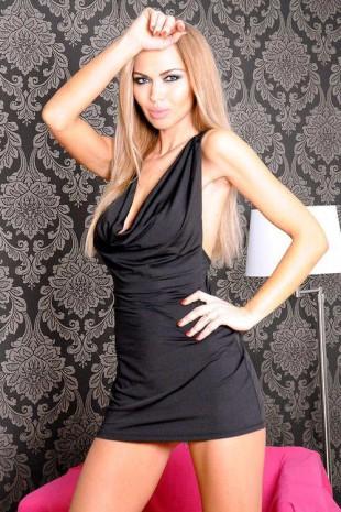 Sexy černé šaty 7-HEAVEN Dani se smyslně kříženými ramínky