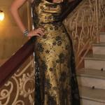 Zlaté dlouhé plesové šaty na tenké stahovací ramínka