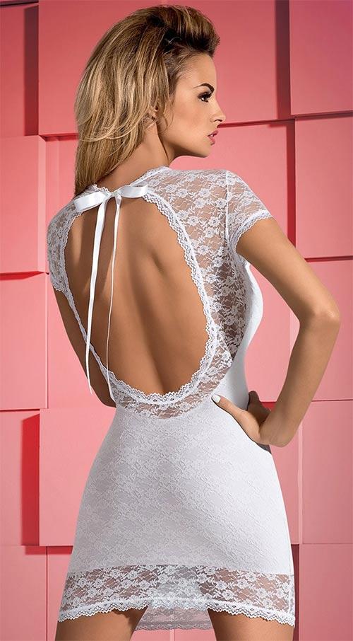 Bílé krajkové šaty s odhalenými zády