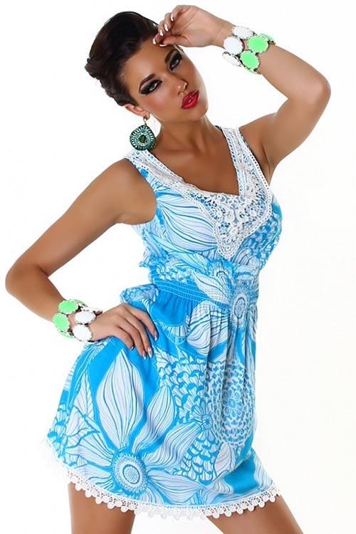 Modré jarní šaty s háčkováním
