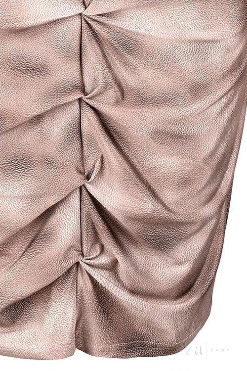 Řasené dámské šaty