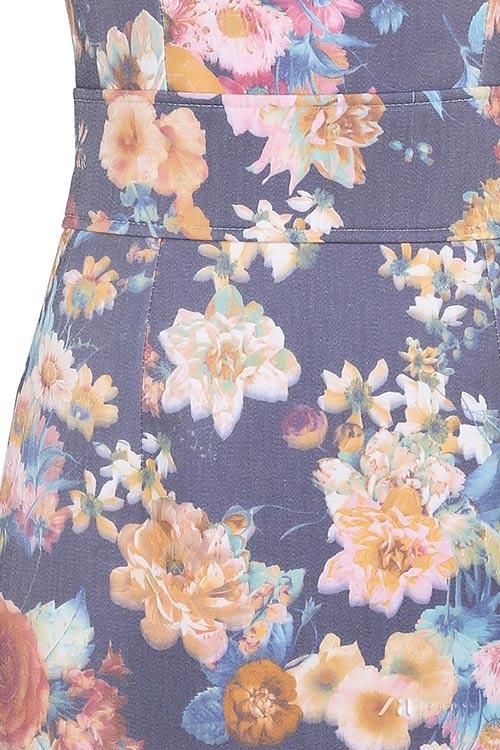 Dámské šaty s květinovým vzorem