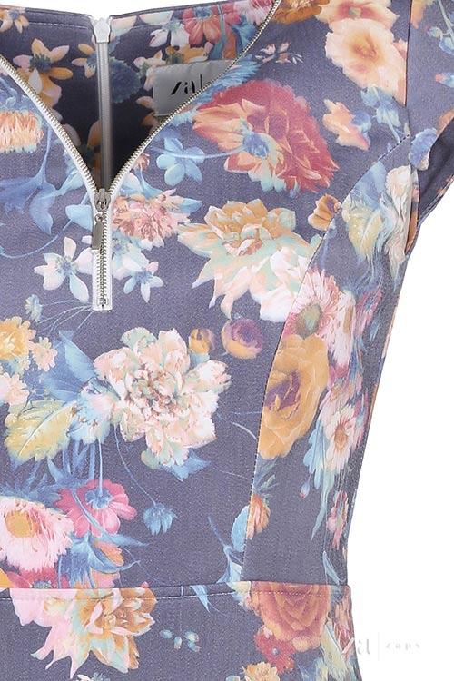 Šaty s výstřihem na zip