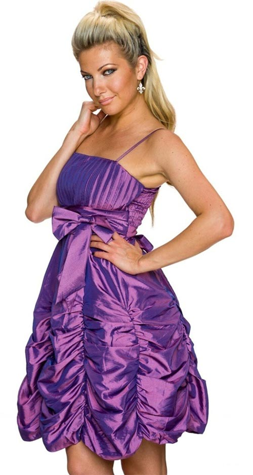 Lesklé dámské šaty s vyztuženými košíčky