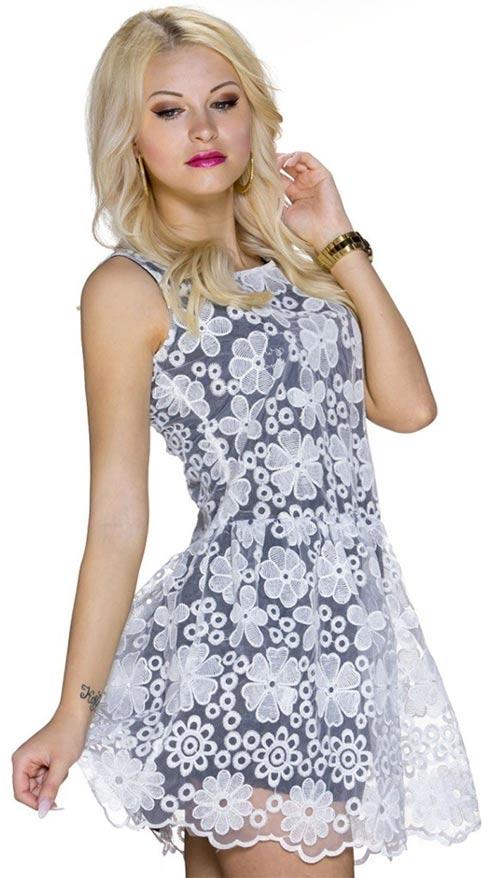 Černé krátké letní šaty s horní vrstvou z bílé krajky 1be285e708c