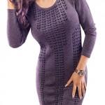 Úpletové šaty s akrylem ideální pro chladné dny a večery