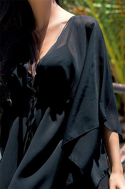 Černé šaty na pláž