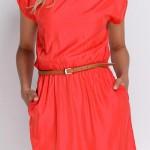 Moderní dámské šaty s páskem a kapsami