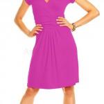 Šaty Nikola z příjemného a lehkého materiálu s mírně nařasenou sukní