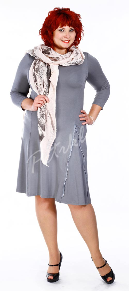 Šedé dámské šaty velkých velikostí