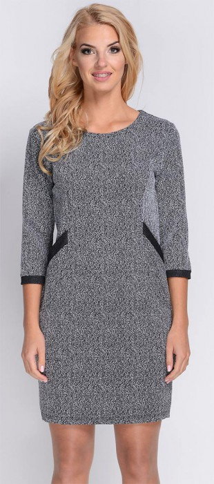 Žíhané dámské šaty s tříčtvrtečními rukávy do chladného počasí