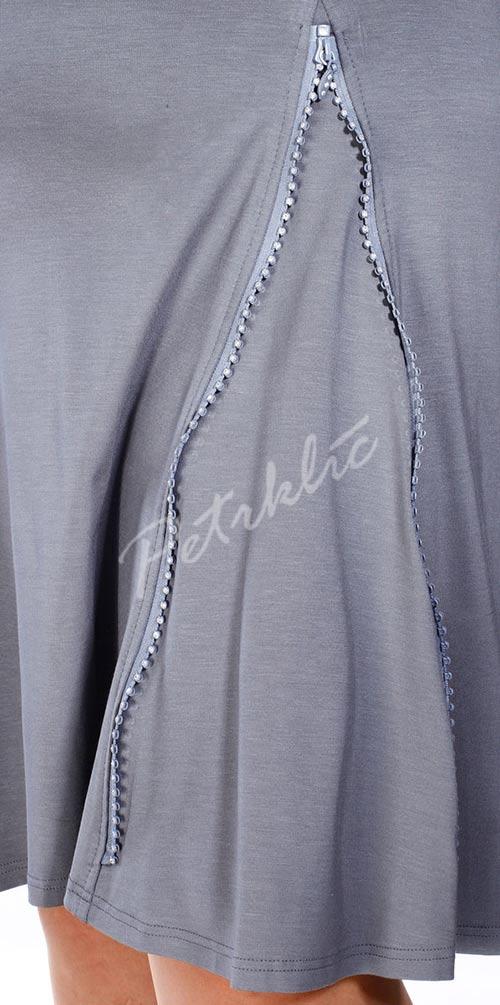 Zip jako dekorativní prvek na šatech