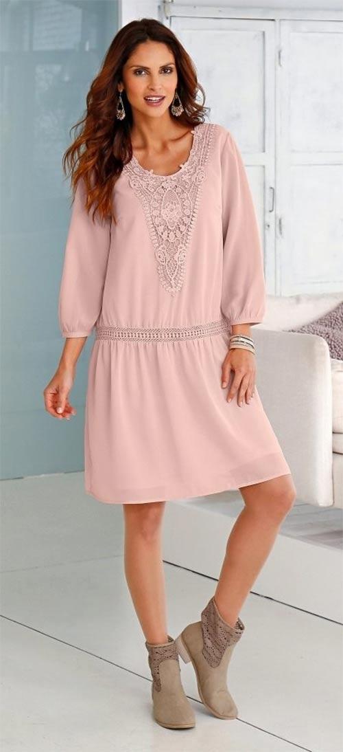 Šaty s macramé náprsenkou
