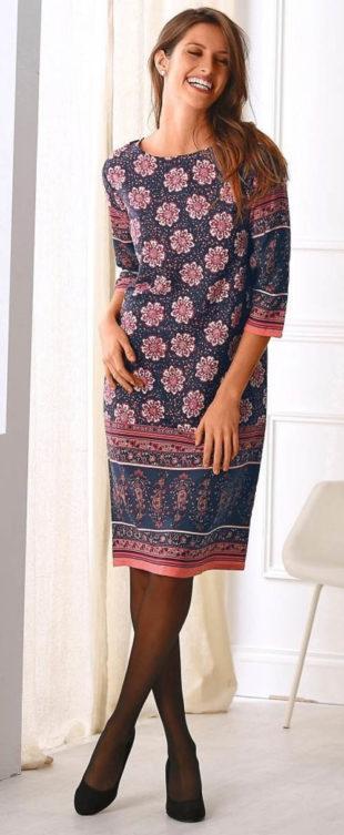 Elegantní zimní šaty pro plnoštíhlé
