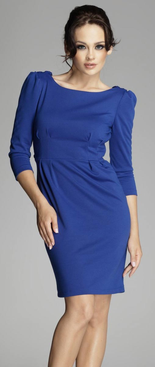 Modré večerní šaty nad kolena