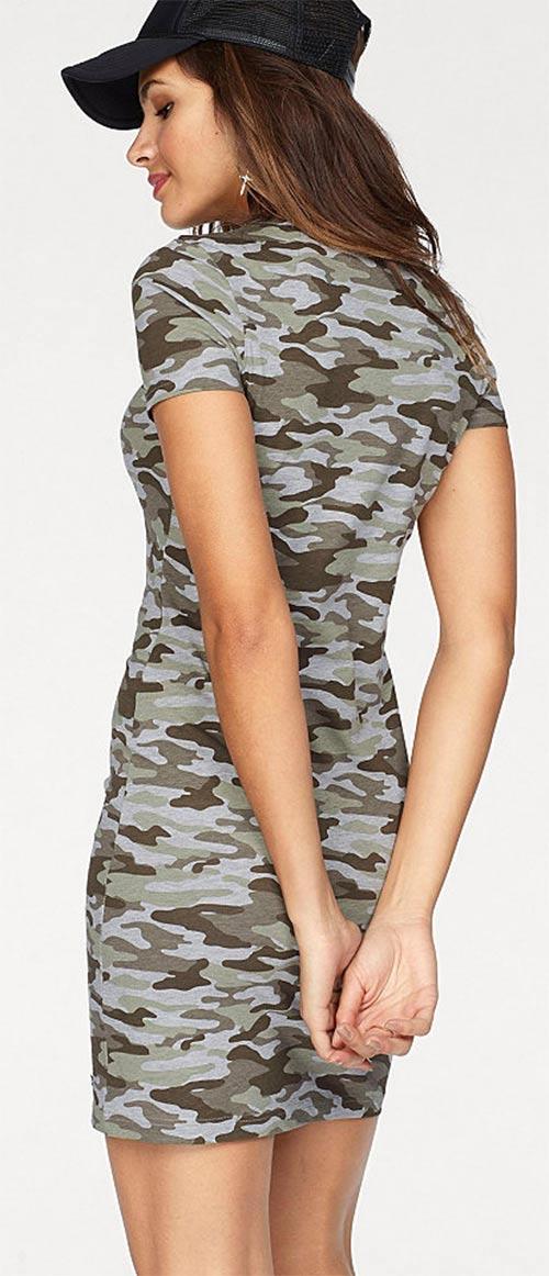Khaki vojenské šaty