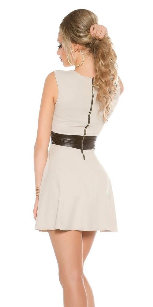 Béžové šaty s koženým pasem