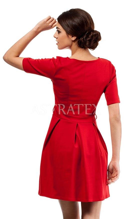 Červené skladané šaty