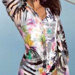 Italské plážové šaty s extravagantním potiskem