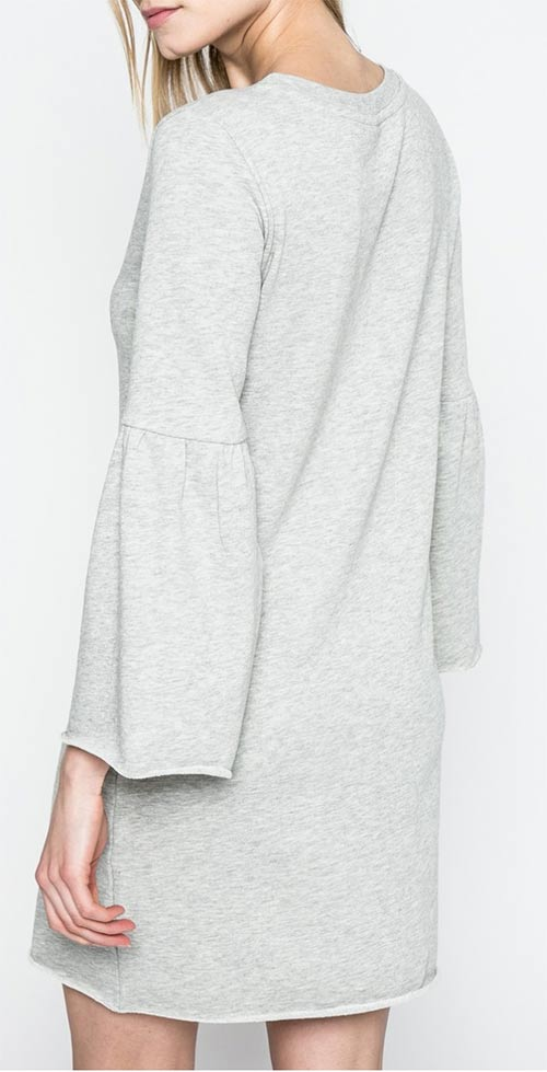Pohodlné dámské šaty