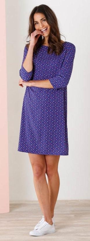 Modré šaty s tříčtvrtečními rukávy
