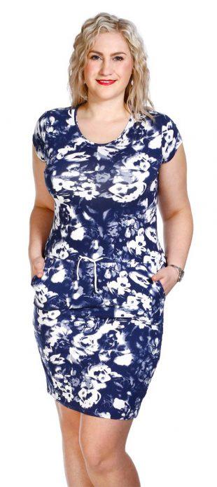 Modrobílé letní šaty i pro silnější postavy