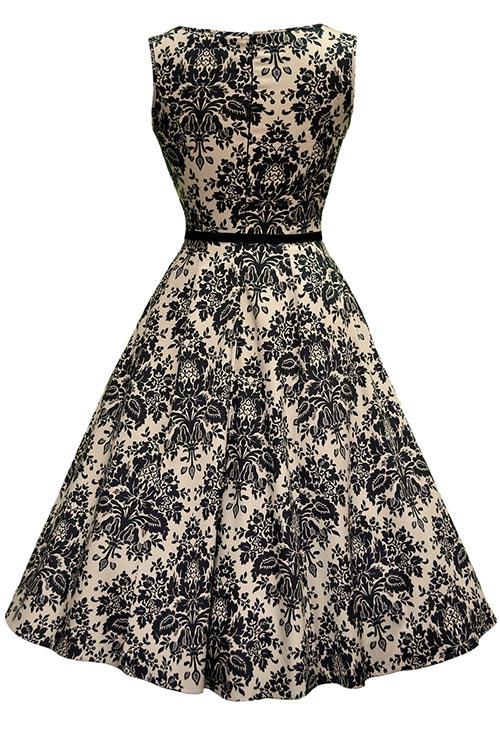 Černobílé šaty se širokou sukní