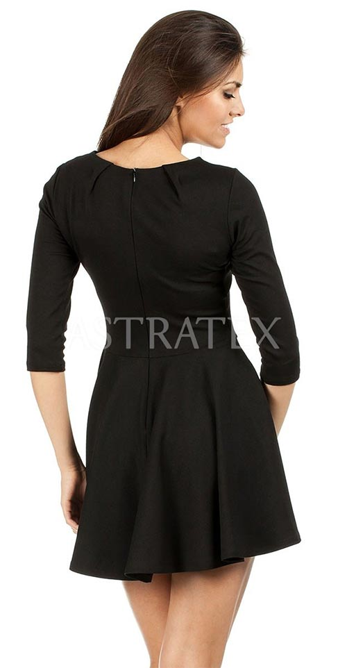 Černé šaty s kolovou sukní