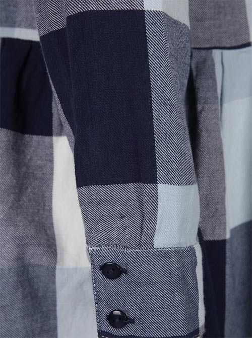 Karované šaty s dlouhým rukávem