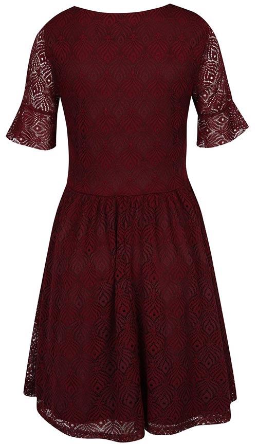 Společenské šaty s krajkovými rukávy