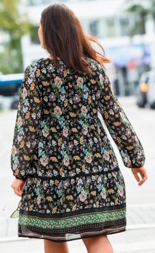 Podzimní šaty pro plnější tvary