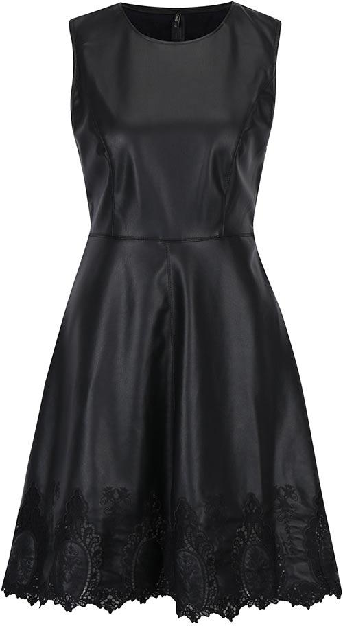 Černé koženkové šaty s krajkovými detaily