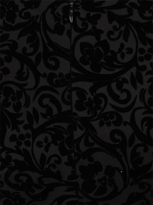 Černé šaty s květinovým vzorem