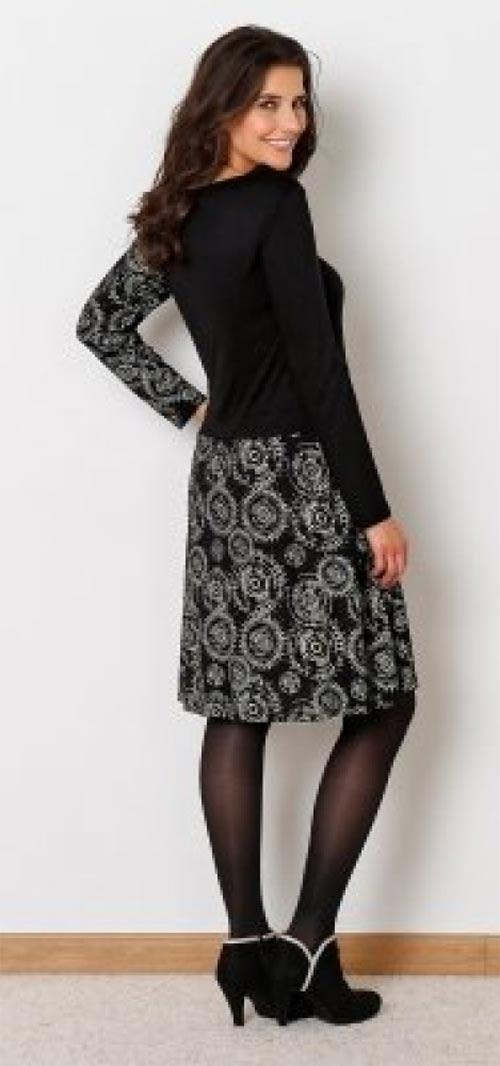Černobílé šaty s potiskem