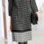 Pohodlné rovné šaty s grafickým vzorem