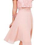 Růžové koktejlové šaty s krajkovým topem