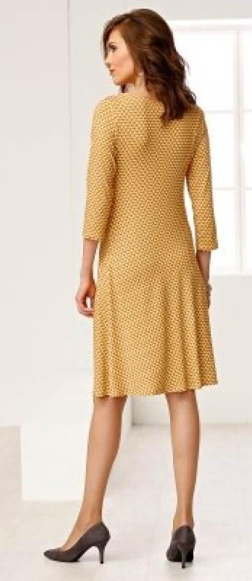 Žluté šaty s tříčtvrtečními rukávy