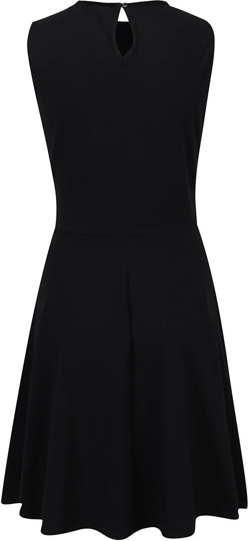 Černé šaty bez rukávů